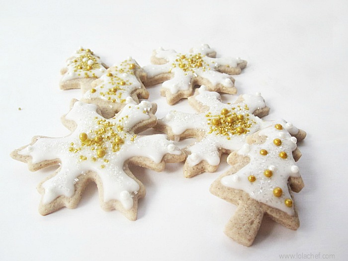 A christmas cookie recipe with a taste of the holidays! Easy cookie with cream cheese and spice flavors perfect for holiday decorating.
